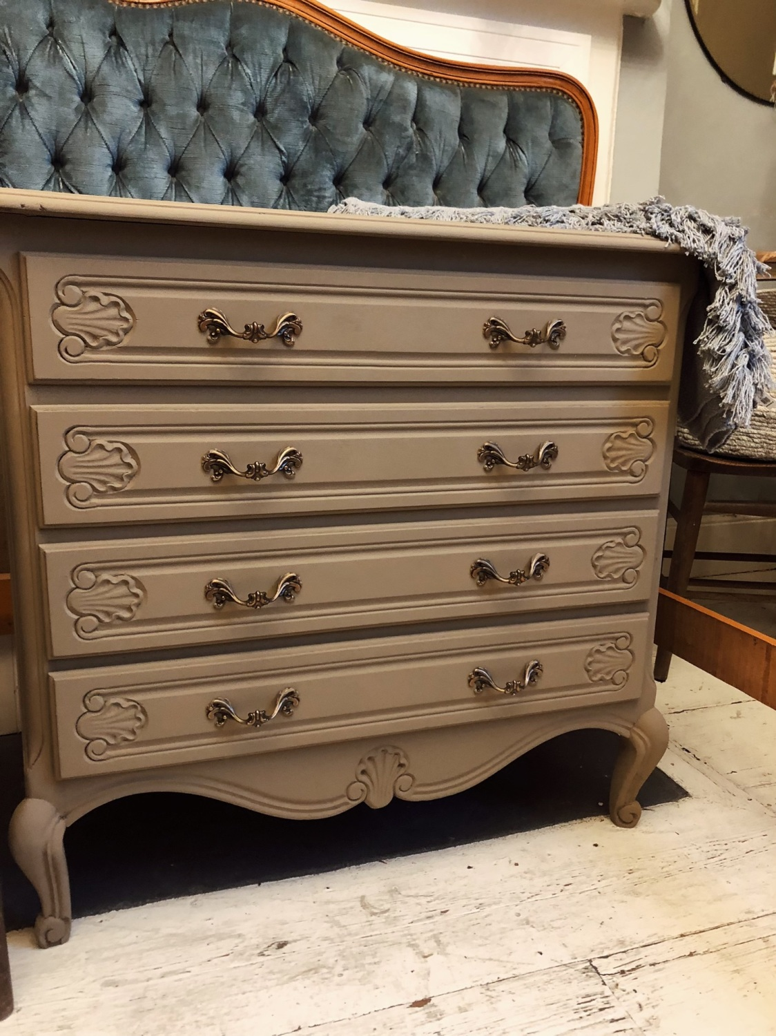 French painted chest of drawers - Artisan Tan