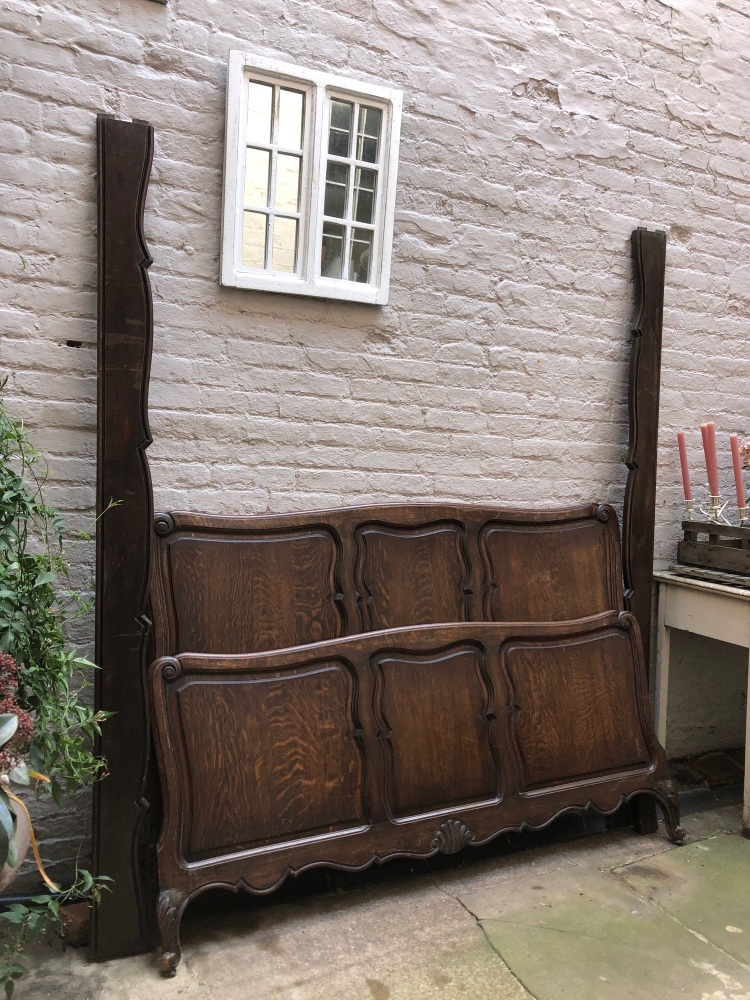 French Oak Kingsize Bed - Can be painted