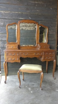 French Louis dressing table & mirror - can be painted
