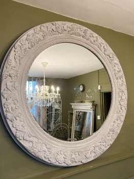 Round scroll leaf detailed mirror