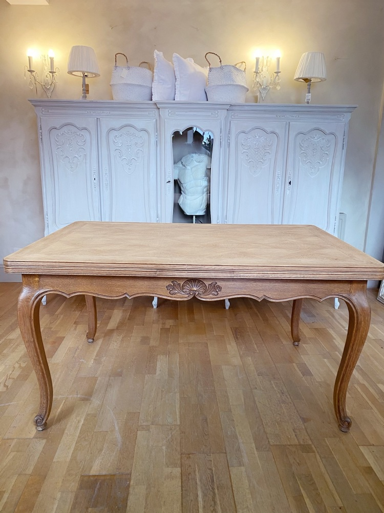 French Oak Louis XV extending dining table