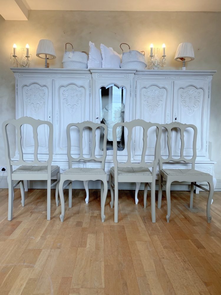 Set of 4 Louis xv oak painted chairs