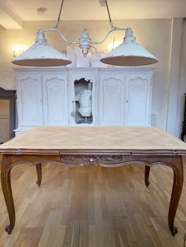 Extending french Louis XV dining table seats up to 10