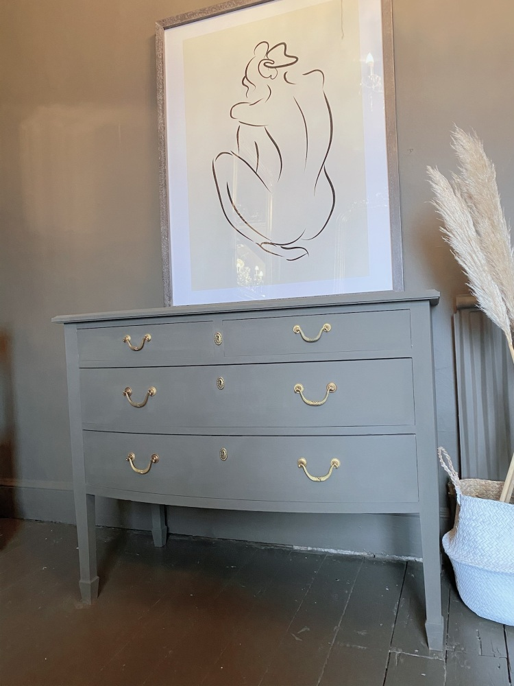 French bow fronted chest of drawers