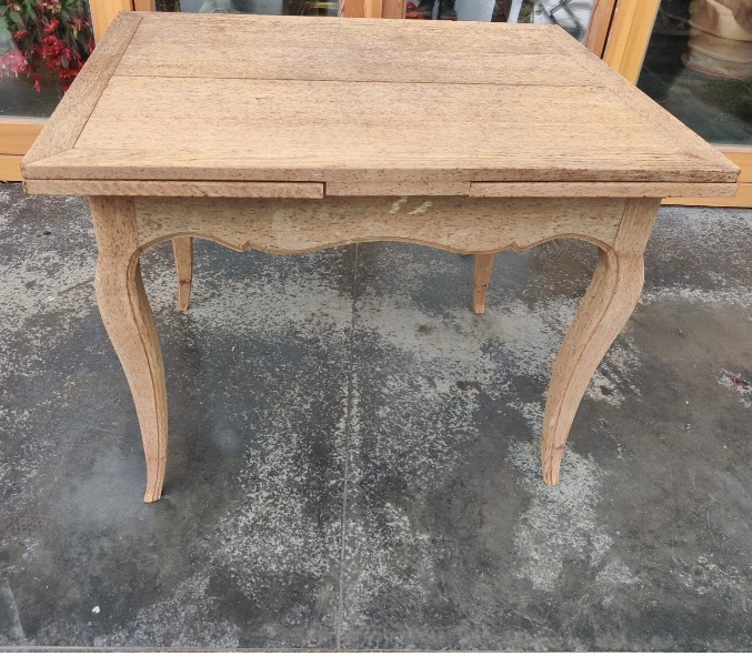 French Extending Bleached table