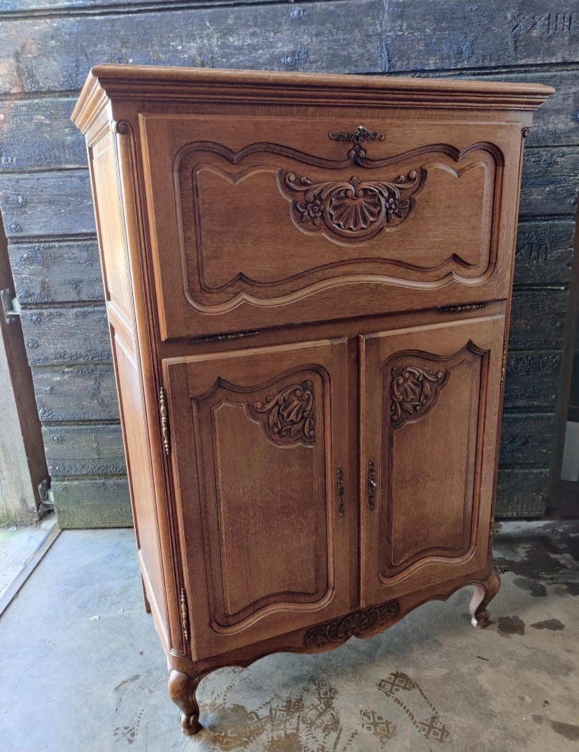 French cocktail cabinet - linen store