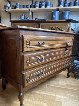 French Louis commode chest of drawers