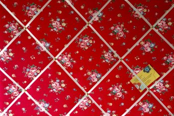 Large 60x40cm Cath Kidston Red Notting Hill Rose Hand Crafted Fabric Notice / Pin / Memo / Memory Board