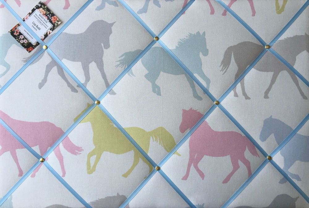Large 60x40cm Clarke & Clarke Stampede Sorbet Horse / Horses Blue Ribbon Ha