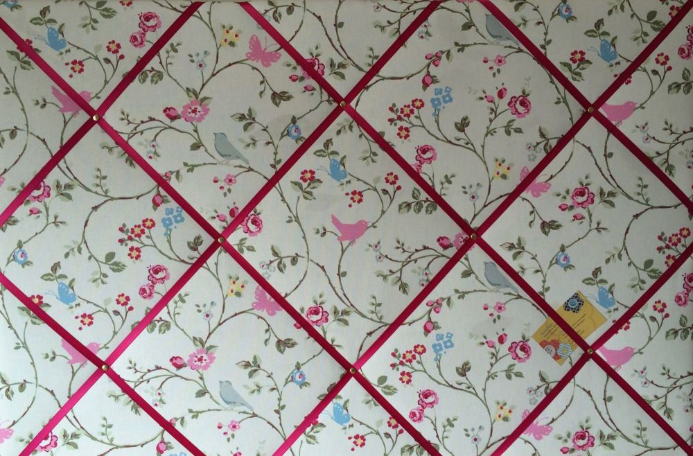 Extra Large 90x60cm Clarke & Clarke White Bird Trail Pink Ribbon Fabric Pin