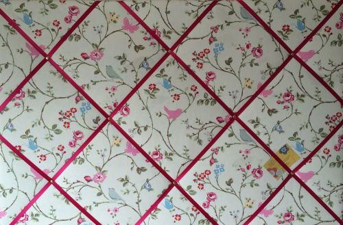 Extra Large 90x60cm Clarke & Clarke White Bird Trail Pink Ribbon Fabric Pin