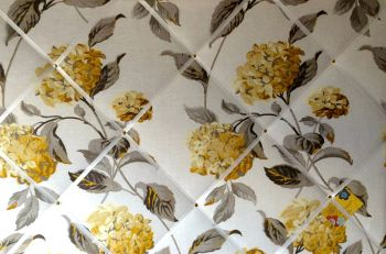 Large 60x40cm Laura Ashley Hydrangea Camomile Floral Linen Hand Crafted Fabric Notice / Pin / Memo / Memory Board