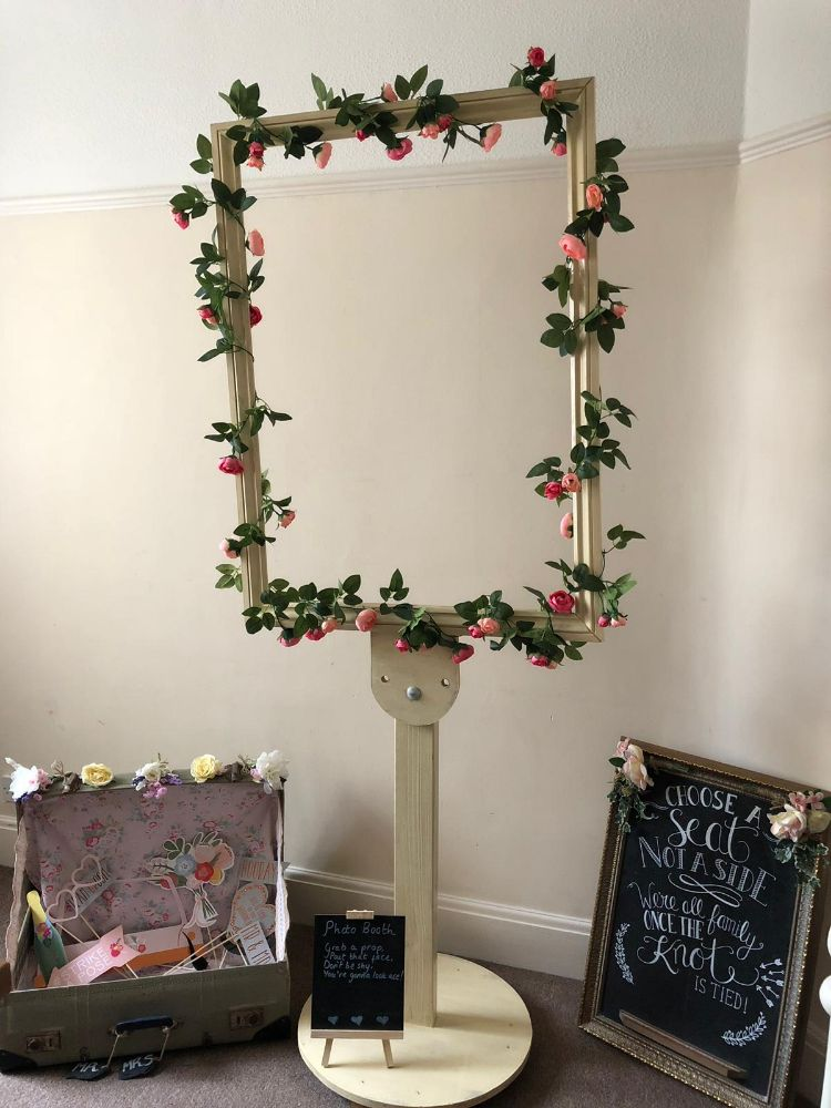 Vintage Style Photo Booth, Accessories & Prop Hire