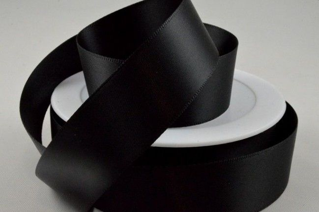 Double Sided Satin Ribbon 7mm 25 Metre Reel Or By The Metre in Black