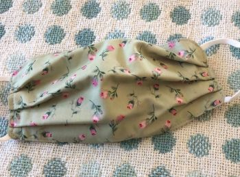 Adult's Handcrafted Reusable Washable Fabric Face Mask Covering Raising Money For Mind Rose & Hubble Rosebud Green & Pink Heart