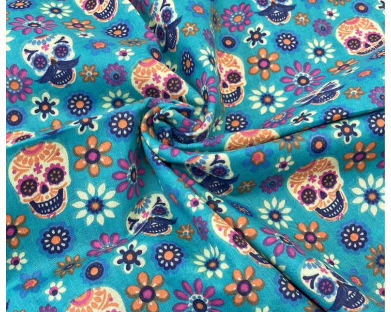 Skulls Polycotton Fabric Material 111cm By The Metre FREE DELIVERY