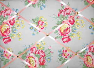 Medium Cath Kidston Textured Rose Hand Crafted Fabric Notice / Pin / Memo B