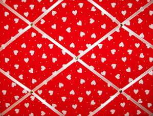 Medium Red & White Heart Hand Crafted Fabric Notice / Memory / Pin / Memo B