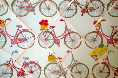 Large Ashley Wilde Poppy Totnes Cycling Bike Hand Crafted Fabric Memory / N
