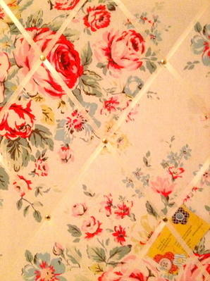 Medium 40x30cm Cath Kidston Hampstead Rose Hand Crafted Fabric Notice / Pin
