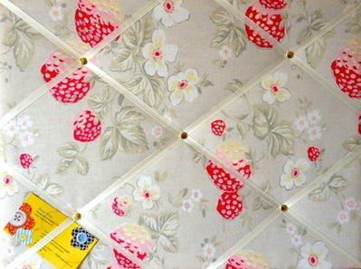 Medium 40x30cm Cath Kidston Wild Strawberry Hand Crafted Fabric Notice / Pi