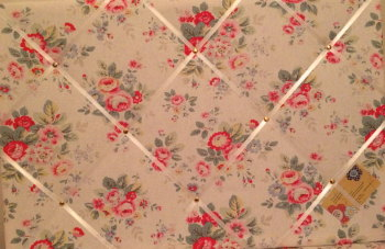 Large 60x40cm Cath Kidston White Trailing Floral Hand Crafted Fabric Notice / Pin / Memo / Memory Board