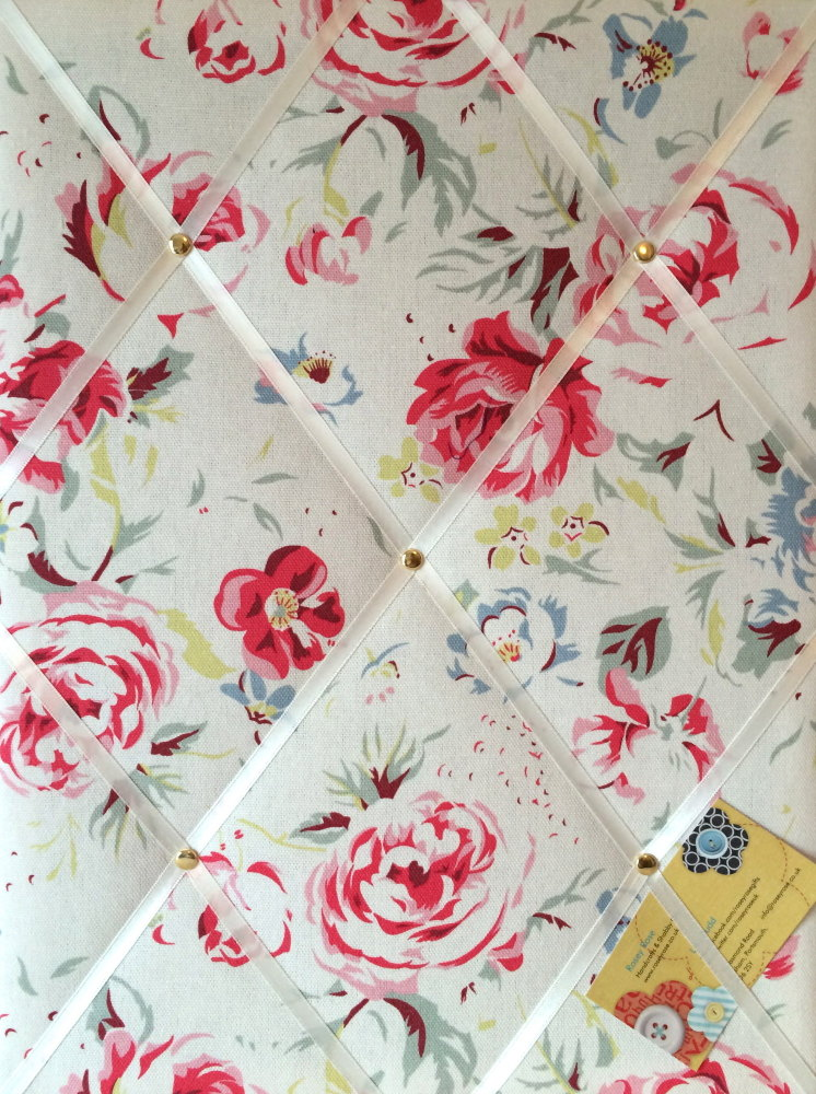 Medium 40x30cm Cath Kidston Greenwich Rose White Hand Crafted Fabric Notice