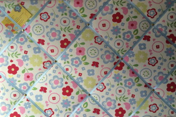 Large 60X40cm Clarke & Clarke Retro Floral Chintz Hand Crafted Fabric Memory / Notice / Pin / Memo / Memory Board