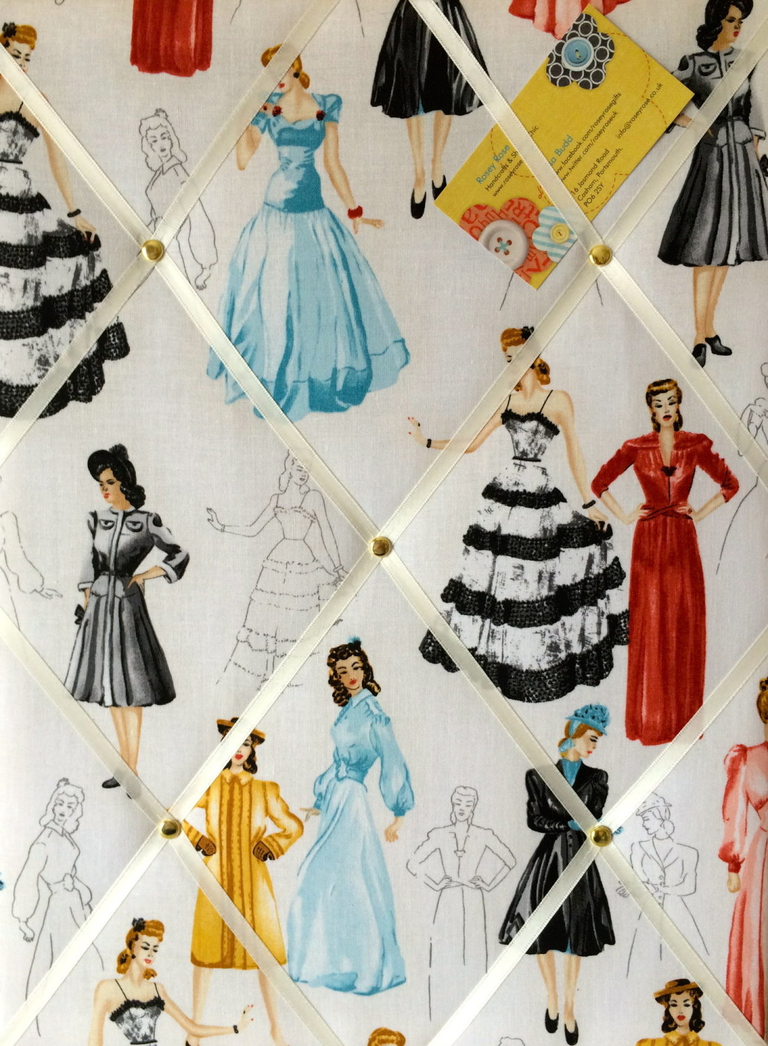 Medium 40x30cm Robert Kaufman 1950s Glamour Girls Hand Crafted Fabric Notic