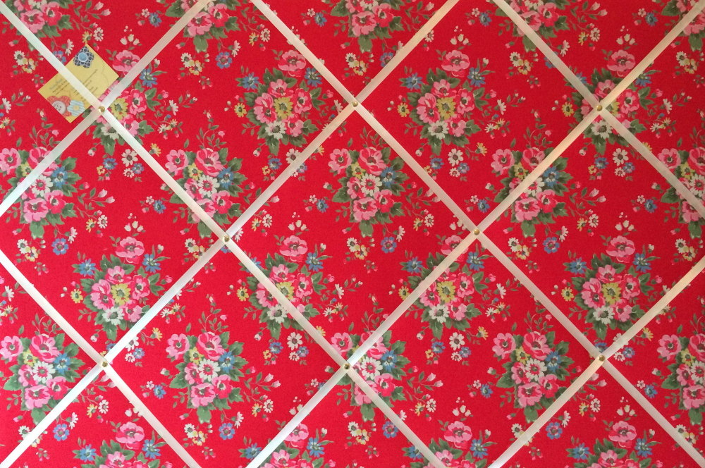 Extra Large 90x60cm Cath Kidston Red Folk Flowers Fabric Notice / Pin / Mem