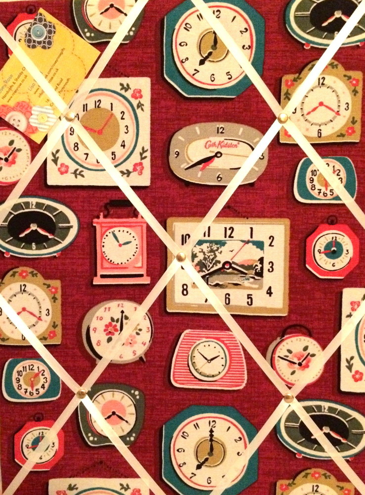 Medium 40x30cm Cath Kidston Clocks Burgundy Hand Crafted Fabric Notice / Pi
