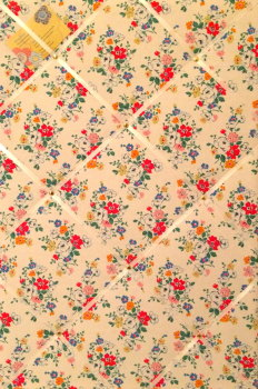 Large 60x40cm Cath Kidston White Clifton Rose Hand Crafted Fabric Notice / Pin / Memo / Memory Board