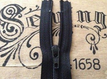 "black closed end zip 7"" YKK 18cm nylon sliding fabric fastener zipper"