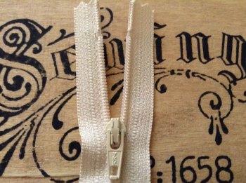 "cream closed end zip 7"" YKK 18cm nylon sliding fabric fastener 031"