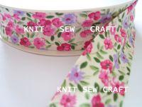 cream pink flower print cotton bias binding 25mm x 3mtr 883/2199