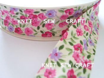 cream pink lilac flower multi print cotton bias 25mm x 25mtr 2199