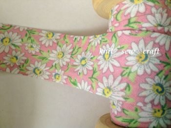 pink cotton fabric trimming with daisy flowers 883-2327