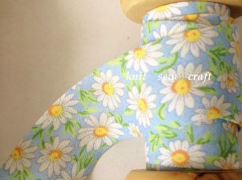 bias binding flower pattern 25mm blue white daisy floral cotton 2328