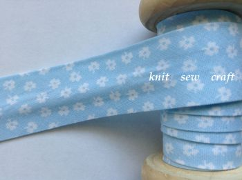 25mm wide baby blue bias binding with white flower pattern 9775