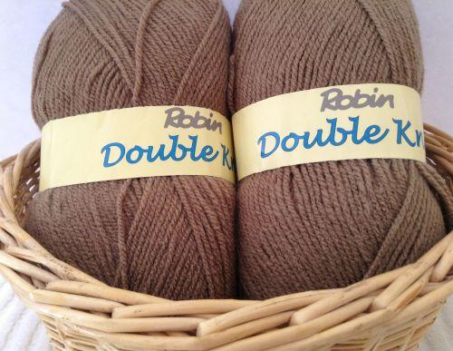 Robin Double Knitting Wool 100g Ball Acrylic DK Yarn Taupe Light Brown