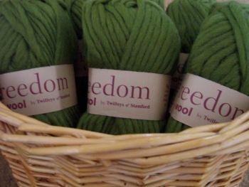 Twilleys Freedom Wool Meadow Green Shade 433