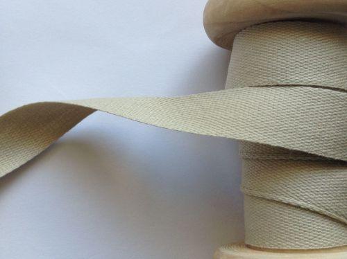 Beige Twill Tape 100% Cotton 14mm Wide Manubens P117-96