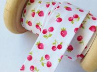 strawberry cherry patterned bias tape 18mm red berries green leaf 1m