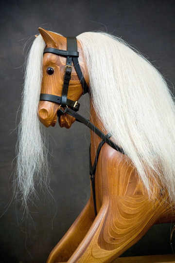 head of Rivelin 4 rocking horse with light coloured mane