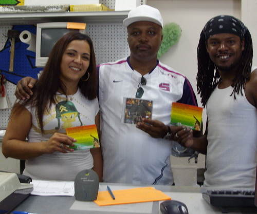 Clinark with Bermuda Paint Company Crew Maria and Bredda AUG 2007 Thanks fo