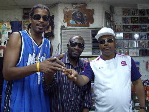CLINARK AT DUB CITY RECORDS with LENKY and DONAVON AUG 2007 Bermuda