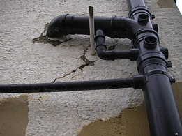cracks around soil pipe