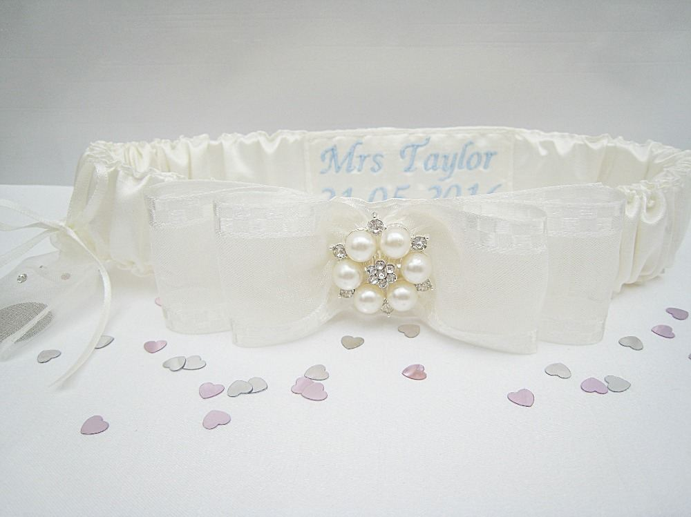 A 'Jane' Personalised Garter With Sixpence £26.99