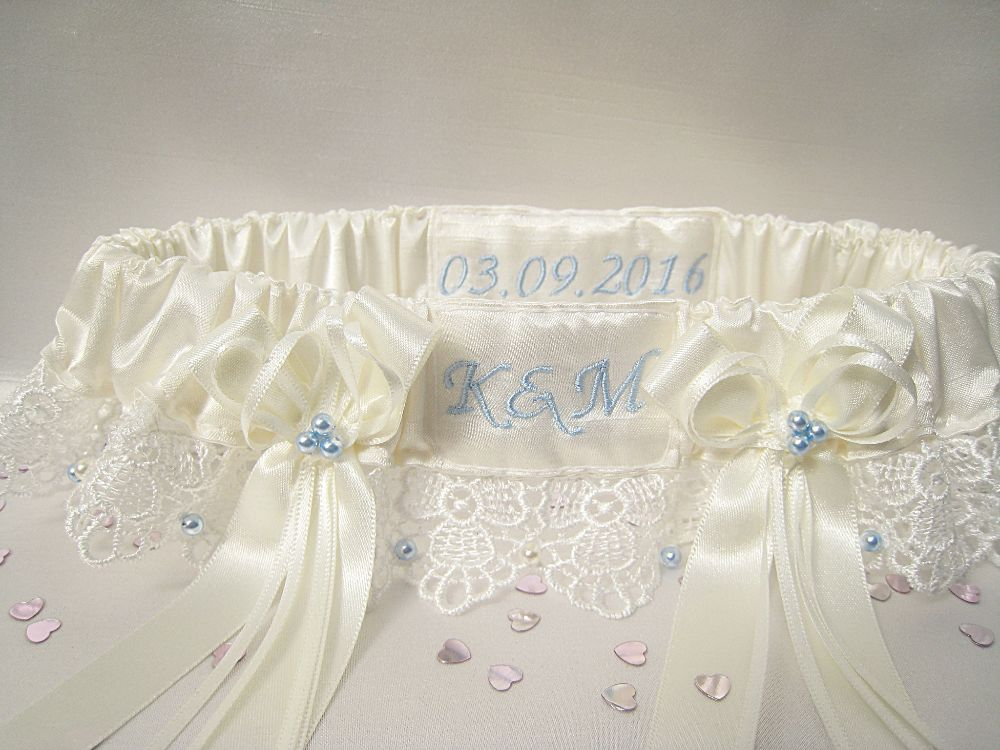 'A' Guipure Lace Wedding Garter £37.99