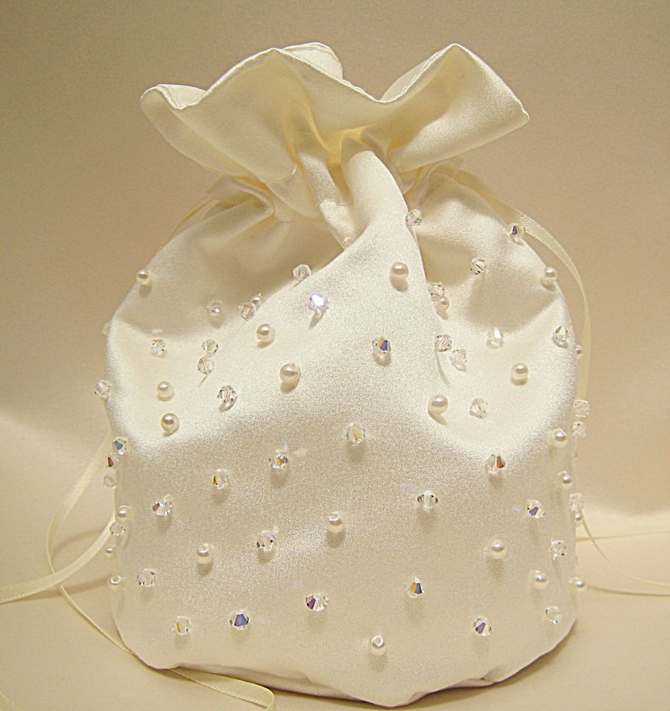 No.4 Pearl & Crystal Encrusted Dolly Bag £36.99